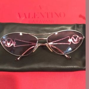 🎁Valentino vintage sunglasses no case